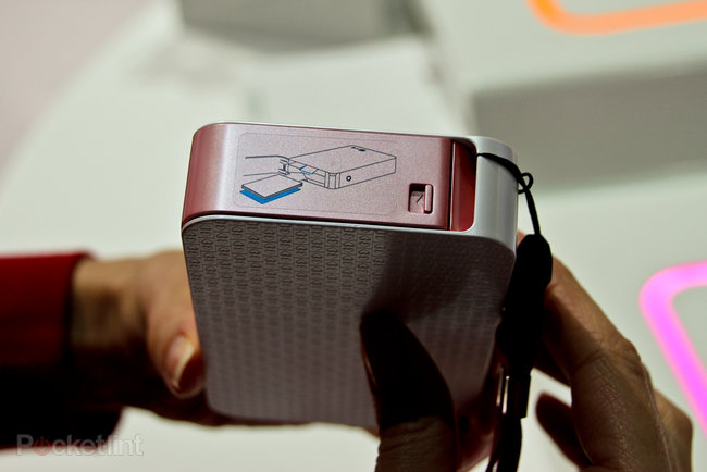 LG Pocket Photo Android NFC printer pictures and hands-on - photo 6