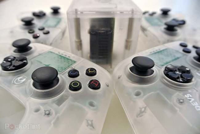 OUYA Android console dev kits already have stereoscopic 3D option, exclusive hands-on pictures prove - photo 1