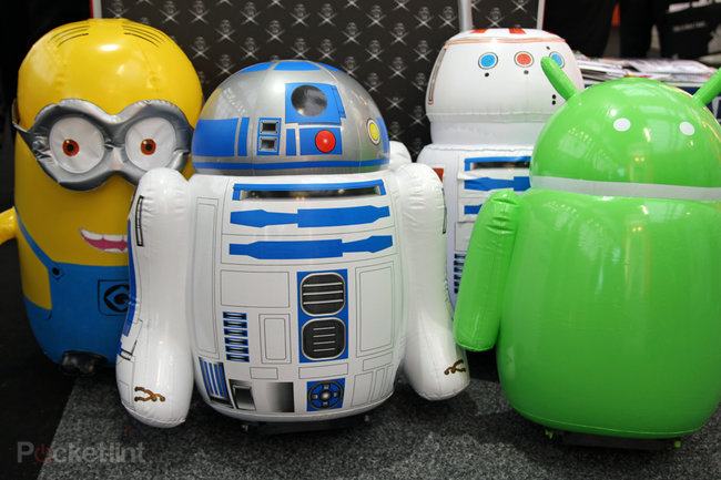Radio controlled Star Wars R5-D4 inflatable and full-sized R2-D2 coming soon - photo 1