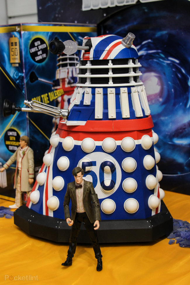 Doctor Who: Limited Collector's Edition Union Jack Dalek pictures and hands-on - photo 8