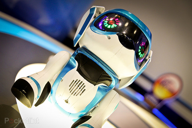 Teksta the Robotic Puppy (2013) pictures and hands-on - photo 1