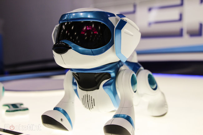 Teksta the Robotic Puppy (2013) pictures and hands-on - photo 2