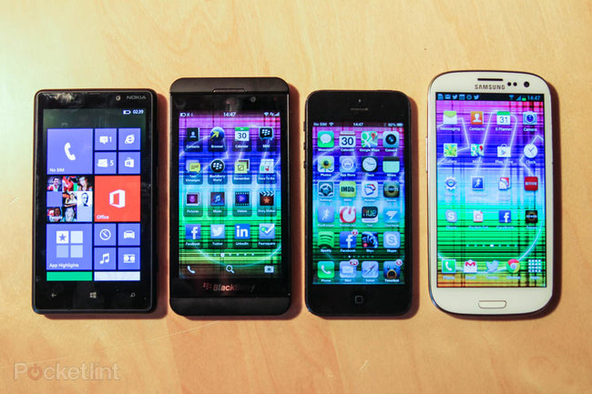 BlackBerry Z10 compared to SGS3, iPhone 5, Lumia 820 (photo) - photo 1