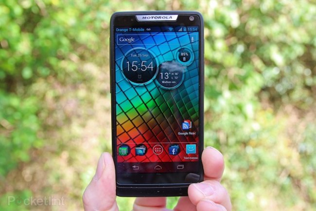 Intel-packing Motorola RAZR i upgraded to Jelly Bean - photo 1