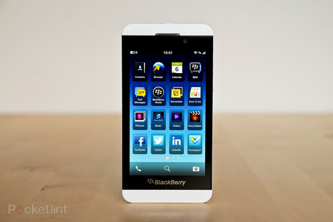 White BlackBerry Z10 pictures and hands-on - photo 2
