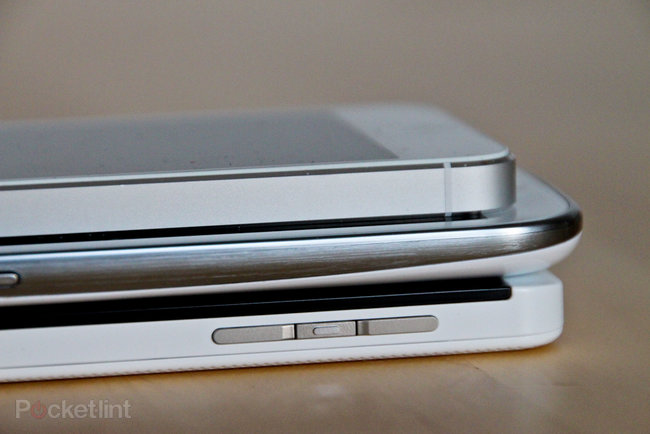 White BlackBerry Z10 pictures and hands-on - photo 21