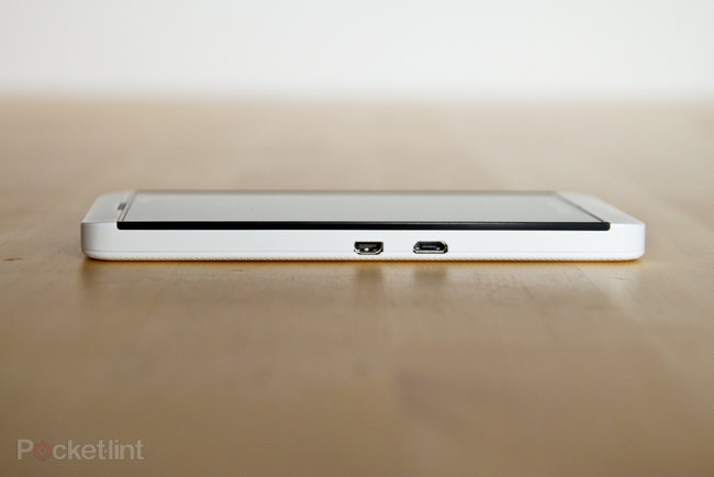 White BlackBerry Z10 pictures and hands-on - photo 4