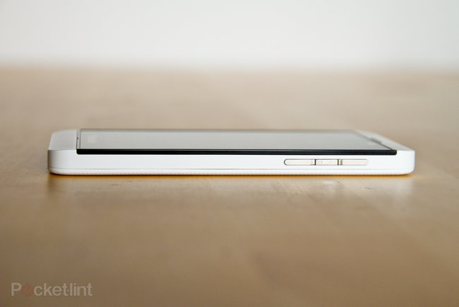 White BlackBerry Z10 pictures and hands-on - photo 6