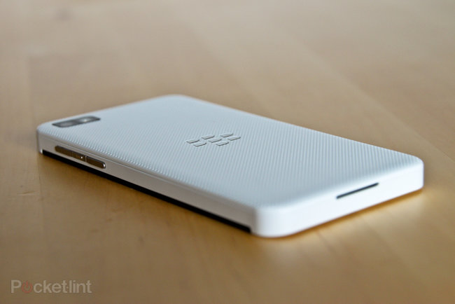 White BlackBerry Z10 pictures and hands-on - photo 8