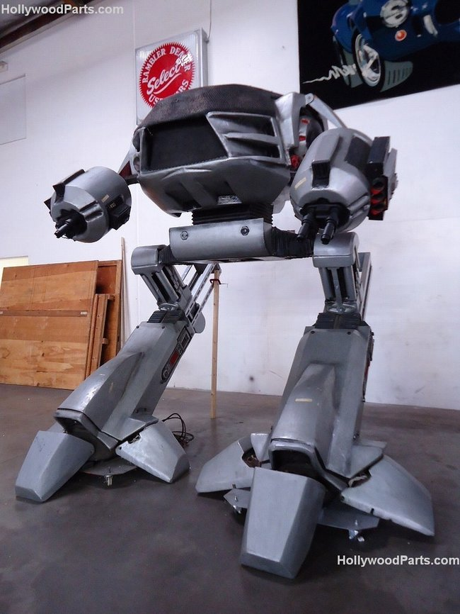 Want to get rid of your boss? Full-size Robocop ED-209 available on eBay - photo 5