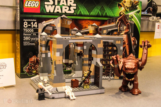 Lego Jabba's Sail Barge set welcomes Max Rebo to the Star Wars minifig universe - photo 2