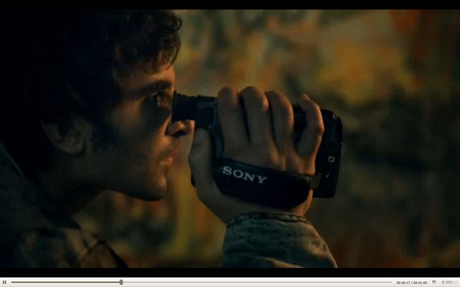 Sony Xperia Z advert looks to the past, before washing off in the present - photo 6