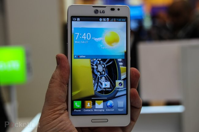 LG Optimus F Series pictures and hands-on: F7 and F5 - photo 1