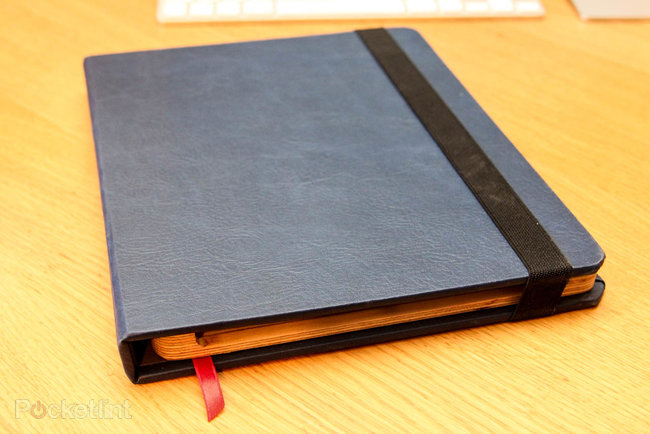 Bukcase turns your tablet into a book - photo 2