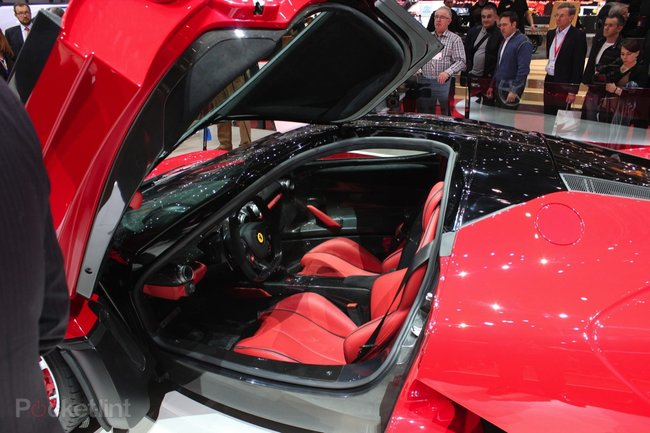 Ferrari LaFerrari pictures and eyes-on - photo 7