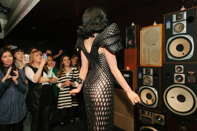 Is Dita Von Teese's 3D printed dress the sauciest use of the tech yet? - photo 2
