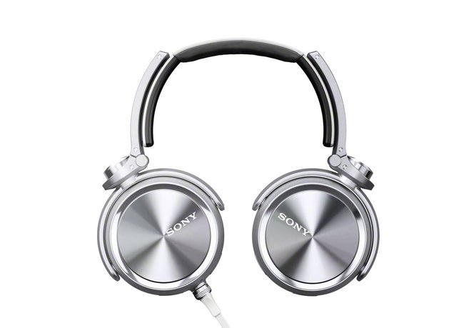 Sony aims at the Beats generation with its bass booming MDR-XB910 headphones - photo 5