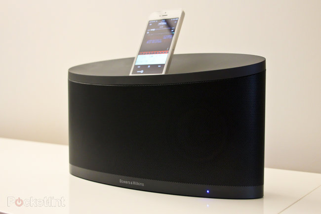 Bowers & Wilkins Z2 iPhone 5 and AirPlay dock pictures and hands-on - photo 2