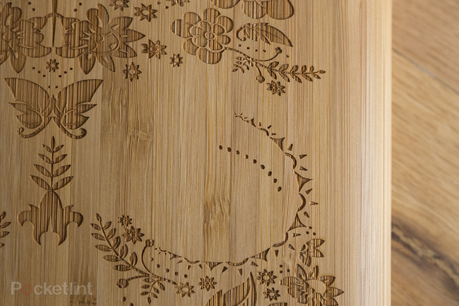 Etch laser-cut bamboo iPad case looks tres cool: Personalise your Apple device - photo 2