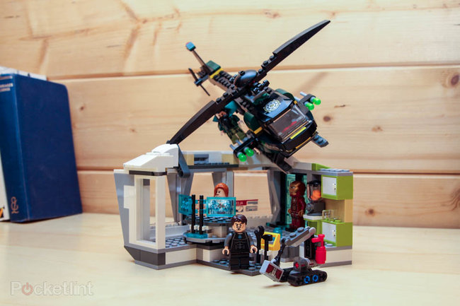 Lego Iron Man Malibu Mansion Attack pictures and hands-on - photo 1