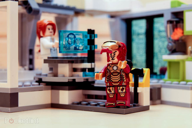 Lego Iron Man Malibu Mansion Attack pictures and hands-on - photo 9