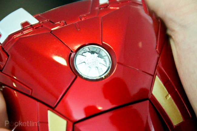 Iron Man Mark VII iPhone 5 case pictures and hands-on - photo 6