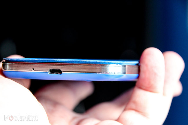 Hands-on: Samsung Galaxy S4 S View cover review - photo 4