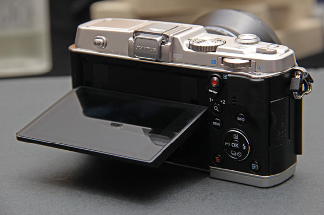 Olympus PEN E-P5 shot in the wild, Wi-Fi and 16-megapixel sensor rumoured - photo 2