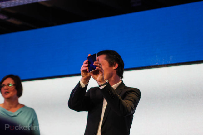 Nokia Lumia 925 official: Smoother, lighter, thinner, better - photo 2
