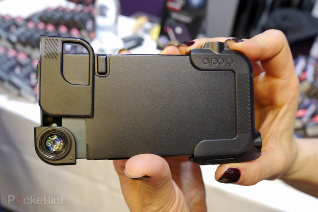 Olloclip Quick-Flip Case keeps your iPhone safe, leaves space for Olloclip lens system - photo 2