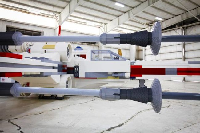 Life size X-Wing is largest Lego model ever built - photo 3
