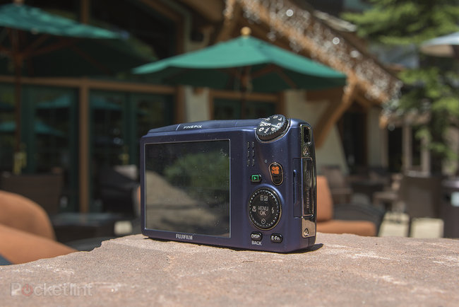 Fujifilm FinePix F900EXR review - photo 3