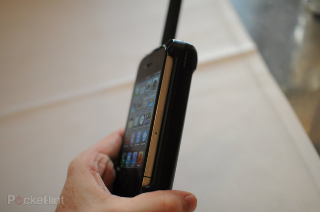 Thuraya SatSleeve pictures and hands-on - photo 2