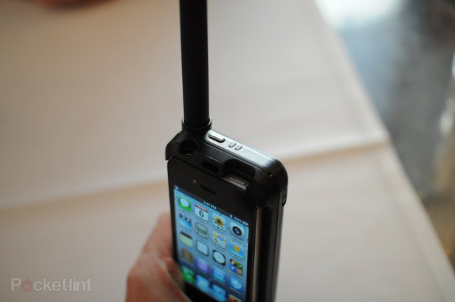 Thuraya SatSleeve pictures and hands-on - photo 3