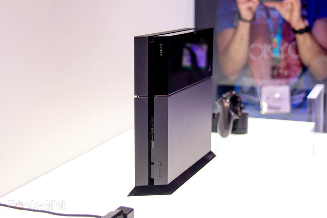 Sony PS4 pictures and eyes-on - photo 3
