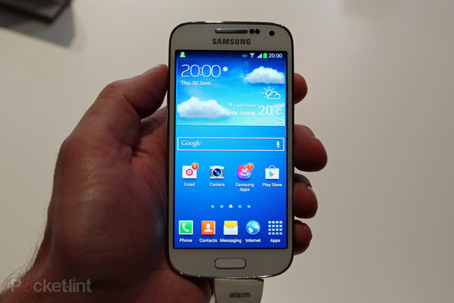Samsung Galaxy S4 Mini pictures and hands-on - photo 1