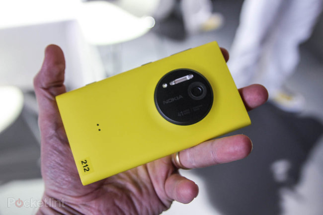 Nokia Lumia 1020 pictures and hands-on - photo 2