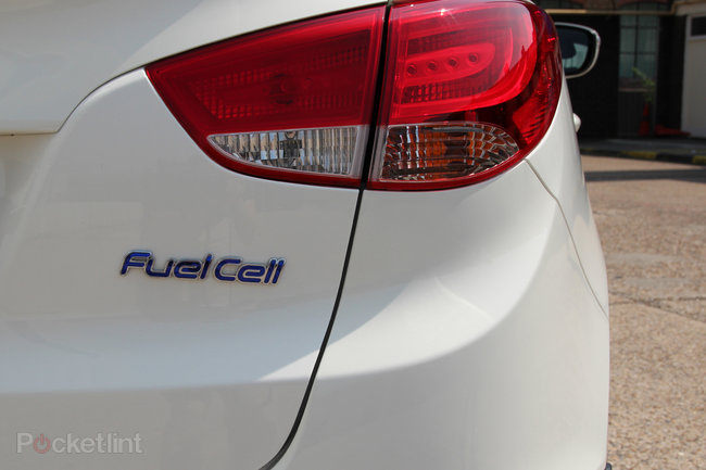 Driving the Hyundai ix35 Fuel Cell: The world's first production hydrogen fuel cell car - photo 11