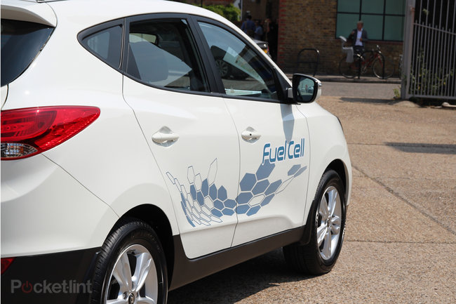 Driving the Hyundai ix35 Fuel Cell: The world's first production hydrogen fuel cell car - photo 3