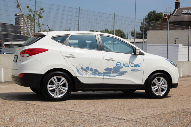 Driving the Hyundai ix35 Fuel Cell: The world's first production hydrogen fuel cell car - photo 8