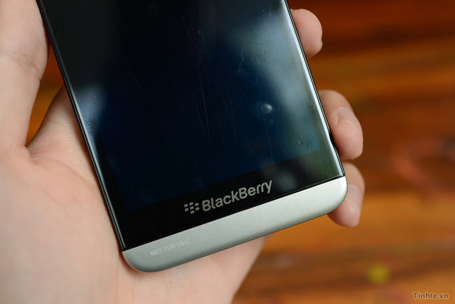 BlackBerry A10 hands-on pictures and video appear online, look to be the real deal - photo 3