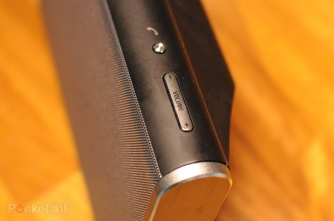 Sony SRS-BTX500 bluetooth speaker review - photo 17