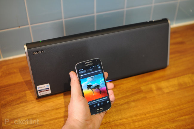 Sony SRS-BTX500 bluetooth speaker review - photo 7