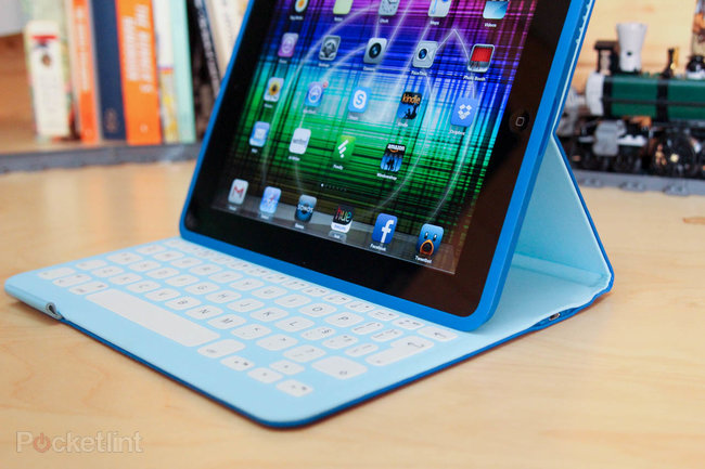 Logitech FabricSkin Keyboard Folio for iPad review - photo 15