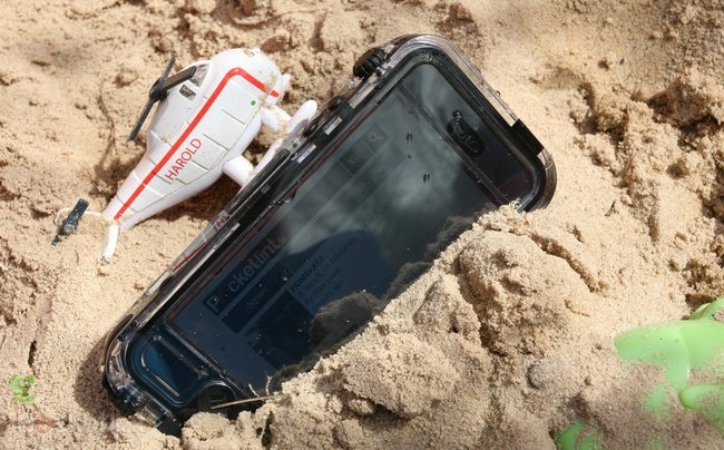 Hands-on: Griffin Survivor & Catalyst Waterproof iPhone 5 case review - photo 7