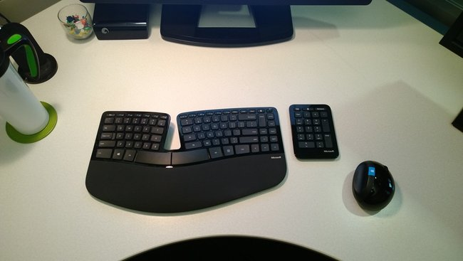 Microsoft Sculpt Ergonomic Desktop prevents carpal tunnel, shoulder rotation with Manta ray design - photo 11