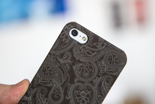 Pretty Green Paisley iPhone 5 Cases pictures and hands-on - photo 14