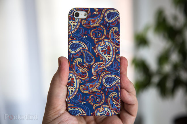 Pretty Green Paisley iPhone 5 Cases pictures and hands-on - photo 2