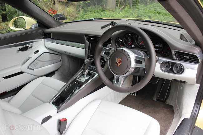 Porsche 911 Carrera 4S review - photo 34