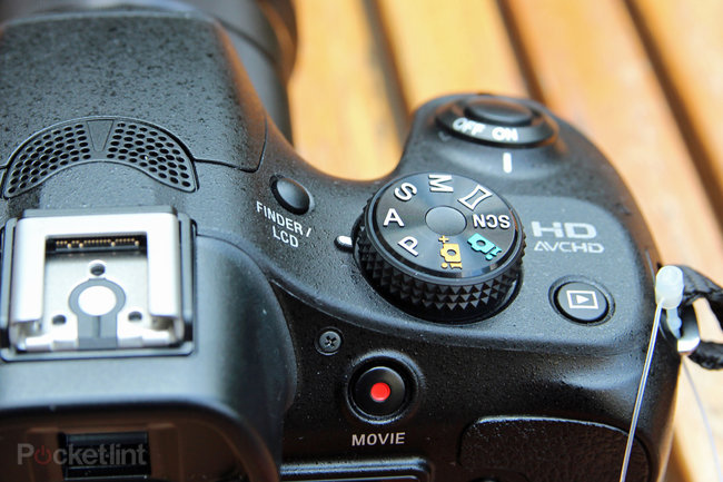 Sony A3000 hands-on: Cheap body, NEX lenses - photo 11